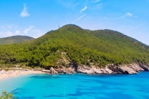 Prices for Ibiza in 2017-2018: transport, hotels, catering, food